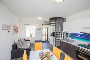 Stobreč, Dnevna soba v nastanitvi vrste apartment, dostopna klima in WiFi.