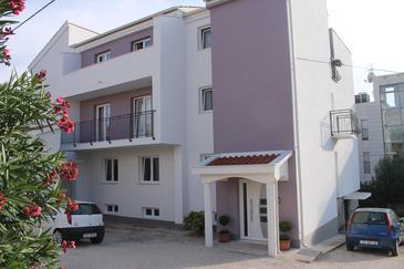Zadar - Diklo, Zadar, Объект 16369 - Апартаменты вблизи моря с галечным пляжем.