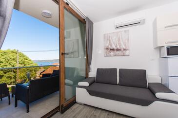 Drvenik Veliki, Obývací pokoj v ubytování typu apartment, s klimatizací, domácí mazlíčci povoleni a WiFi.