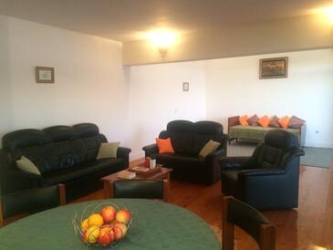 Žaborić, Obývací pokoj v ubytování typu apartment, s klimatizací a WiFi.