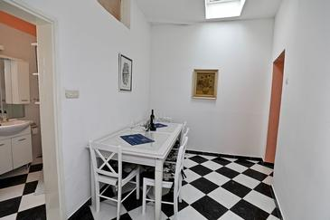 Sućuraj, Столовая в размещении типа apartment, Домашние животные допускаются и WiFi.