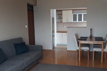 Zadar - Diklo, Pokój dzienny w zakwaterowaniu typu apartment, Dostępna klimatyzacja i WiFi.
