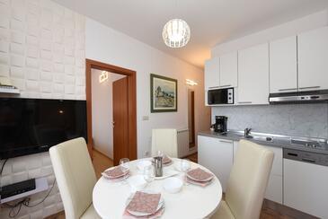 Starigrad, Jídelna v ubytování typu apartment, s klimatizací a WiFi.