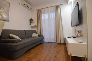 Starigrad, Living room in the apartment, air condition available and WiFi.