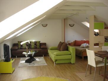 Blace, Obývací pokoj 1 v ubytování typu house, s klimatizací, domácí mazlíčci povoleni a WiFi.