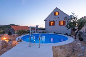 Donji Humac, Brač, Property 16435 - Vacation Rentals with pebble beach.
