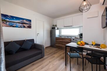 Pirovac, Гостиная в размещении типа apartment, Домашние животные допускаются и WiFi.