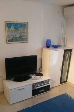 Supetar, Obývací pokoj v ubytování typu studio-apartment, s klimatizací a WiFi.