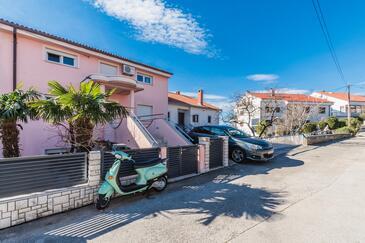 Crikvenica, Crikvenica, Property 16451 - Apartments with pebble beach.
