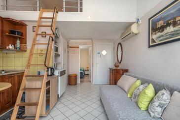 Mastrinka, Dnevna soba v nastanitvi vrste apartment, dostopna klima in WiFi.