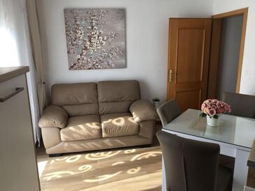 Sali, Столовая в размещении типа apartment, WiFi.