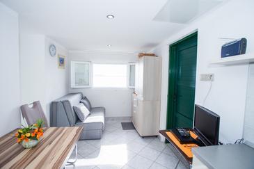 Ramašćica, Obývací pokoj v ubytování typu house, domácí mazlíčci povoleni a WiFi.
