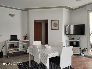 Žaborić, Jídelna v ubytování typu apartment, s klimatizací, domácí mazlíčci povoleni a WiFi.
