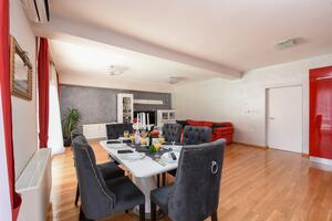 Family friendly apartments with a swimming pool Zadar - Diklo (Zadar) - 16493