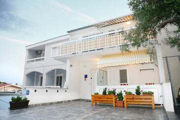 Baška Voda, Makarska, Obiekt 16517 - Apartamenty ze żwirową plażą.