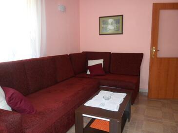 Jurandvor, Dnevni boravak u smještaju tipa apartment, dostupna klima, kućni ljubimci dozvoljeni i WiFi.