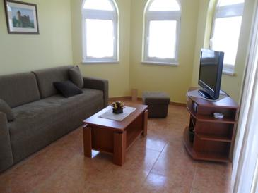 Jurandvor, Living room in the apartment, air condition available, (pet friendly) and WiFi.