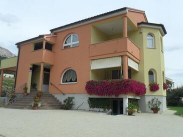 Jurandvor, Krk, Property 16528 - Apartments with pebble beach.