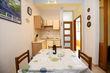 Mali Iž, Jídelna v ubytování typu apartment, s klimatizací a WiFi.