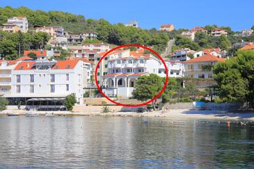 Trogir, Trogir, Property 16536 - Apartments and Rooms near sea with pebble beach.