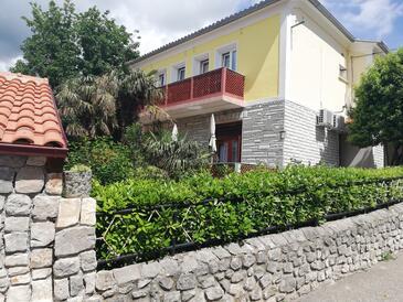 Selce, Crikvenica, Объект 16566 - Апартаменты и комнаты вблизи моря с песчаным пляжем.