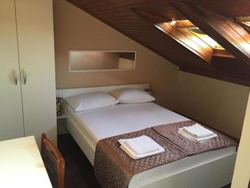 Biograd na Moru, Bedroom in the room, air condition available and WiFi.