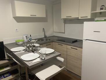 Pakoštane, Kuchyně v ubytování typu apartment, WiFi.