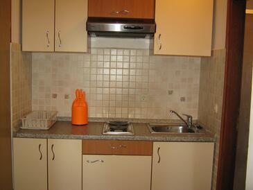 Turanj, Kuhinja v nastanitvi vrste studio-apartment, WiFi.