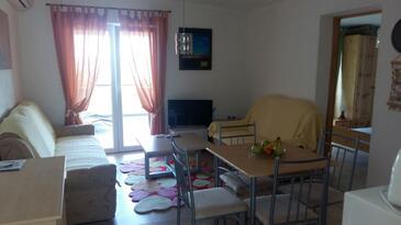 Karin Gornji, Obývací pokoj v ubytování typu apartment, s klimatizací, domácí mazlíčci povoleni a WiFi.