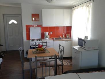 Karin Gornji, Кухня в размещении типа studio-apartment, доступный кондиционер, Домашние животные допускаются и WiFi.