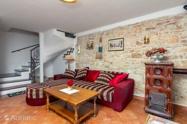 Valtura, Obývací pokoj v ubytování typu house, s klimatizací, domácí mazlíčci povoleni a WiFi.