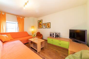 Kaštel Stari, Obývací pokoj v ubytování typu house, WiFi.