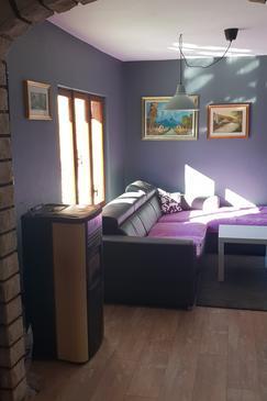 Jurandvor, Dnevna soba v nastanitvi vrste house, Hišni ljubljenčki dovoljeni in WiFi.
