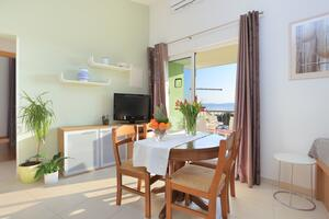 Apartments by the sea Podgora, Makarska - 16630