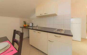 Pakoštane, Cuisine dans l'hébergement en type apartment, WiFi.