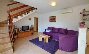Rabac, Obývací pokoj v ubytování typu house, s klimatizací a WiFi.