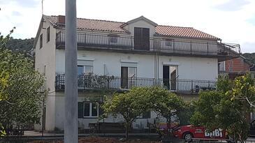 Bilice, Krka, Objekt 16689 - Apartmaji v bližini morja s prodnato plažo.