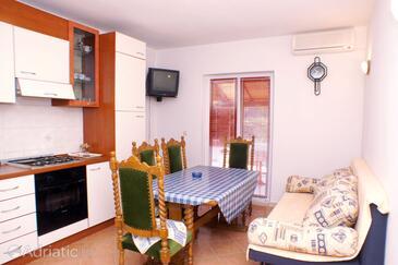 Kneža, Столовая в размещении типа apartment, WiFi.