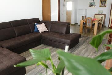 Sveti Filip i Jakov, Гостиная в размещении типа apartment, доступный кондиционер и WiFi.