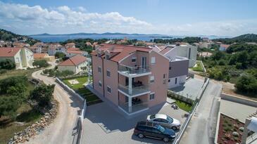 Tribunj, Vodice, Объект 16717 - Апартаменты с галечным пляжем.