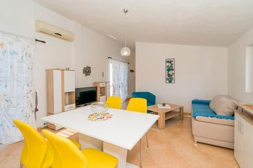 Nečujam, Living room in the apartment, air condition available and WiFi.