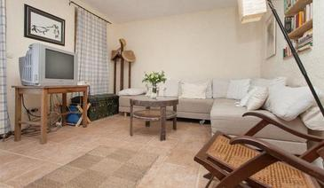 Rovinj, Living room in the house, air condition available, (pet friendly) and WiFi.