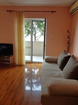 Senj, Dnevni boravak u smještaju tipa apartment, dostupna klima i WiFi.