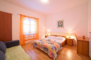 Supetarska Draga - Gonar, Спальня в размещении типа room, Домашние животные допускаются и WiFi.
