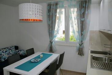 Makarska, Jídelna v ubytování typu apartment, s klimatizací a WiFi.