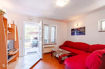 Kabli, Living room in the house, air condition available and WiFi.