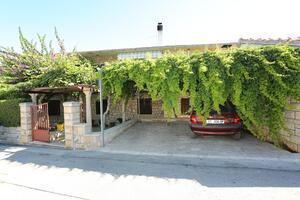 Апартаменты с парковкой Супетар - Supetar (Брач - Brač) - 16807