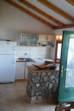 Brušnjak, Kitchen in the house, (pet friendly).