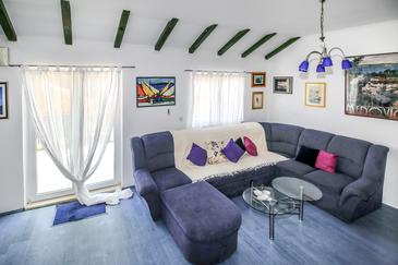 Trpanj, Living room in the apartment, air condition available, (pet friendly) and WiFi.