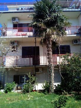 Brodarica, Šibenik, Объект 16827 - Апартаменты с галечным пляжем.